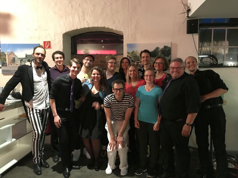 Der Musicalchor Köln als Vorgruppe von Maybebob